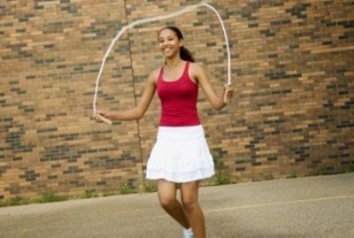14 Olahraga Peninggi Badan yang Terbukti Efektif Tanpa Harus Keluar Rumah